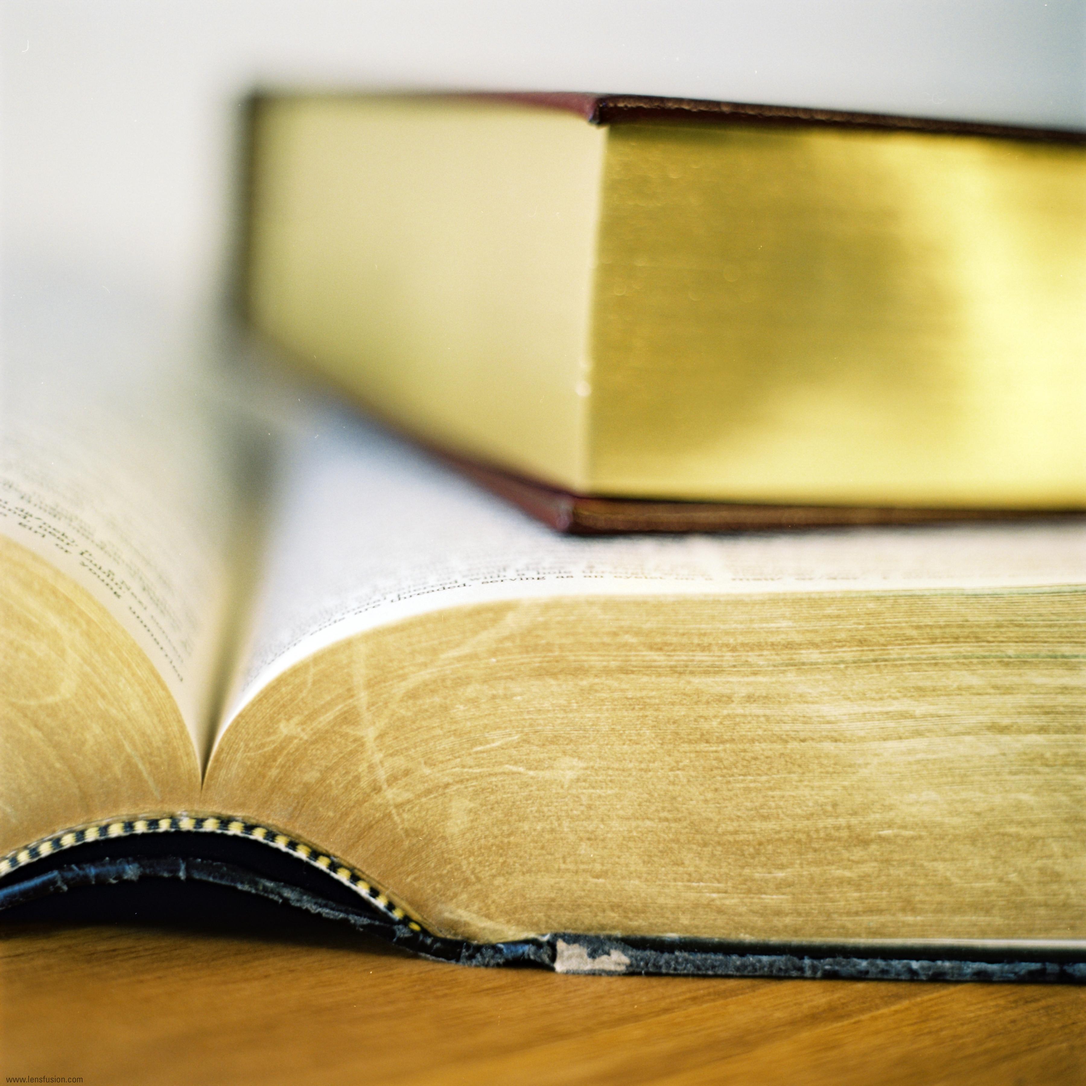 30 de abril: Legalizar libros contables